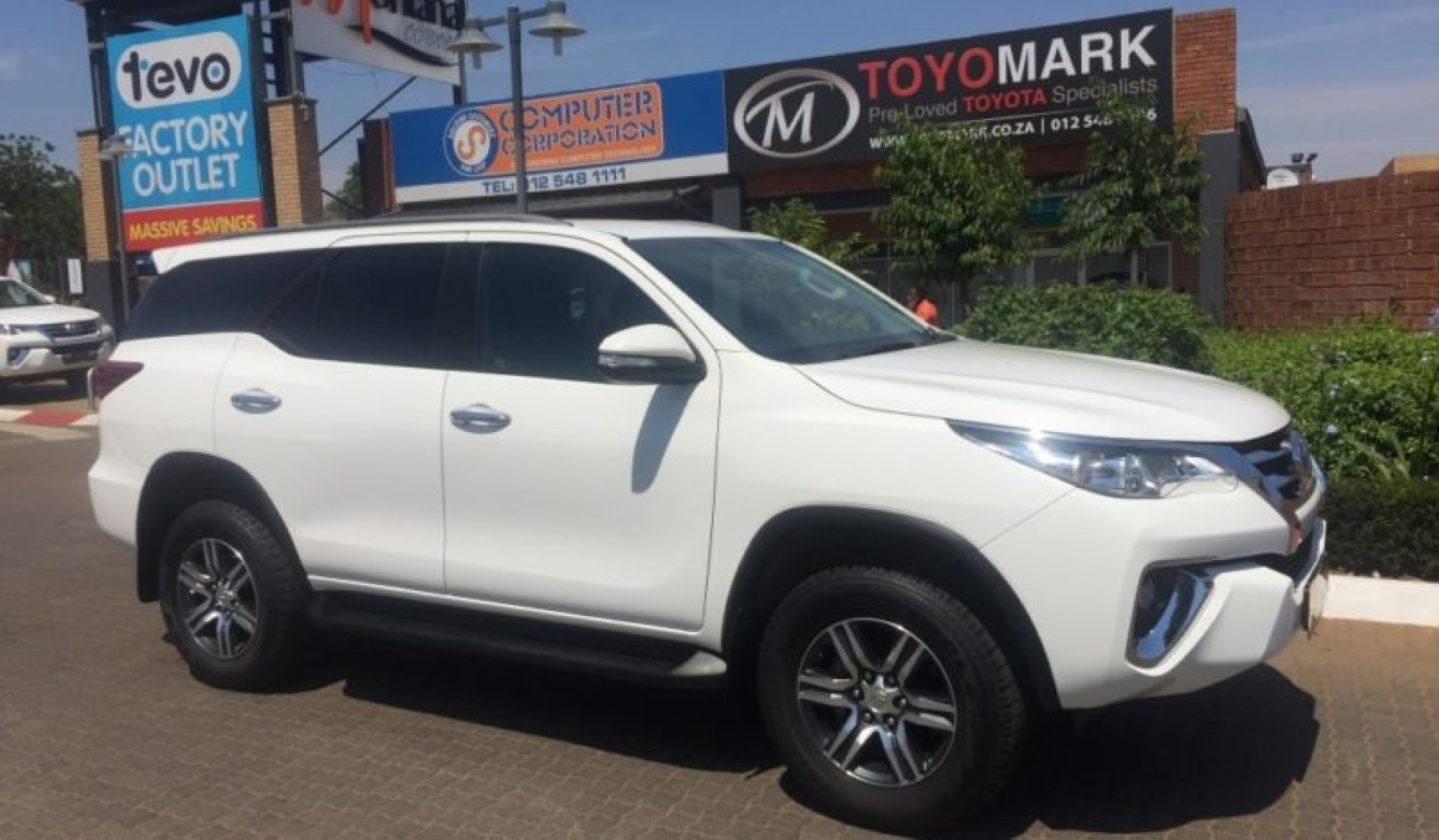 2016 toyota fortuner 2 4gd-6 r  b a  t
